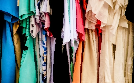 More charity shops than pubs closed [in the UK] last year